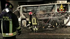 Drame en Italie: 16 morts dans l'accident d'un car transportant des adolescents