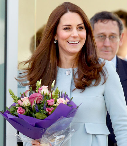 Kate Middleton retouchée en couverture d'un magazine- regardez ce carnage! (photos)
