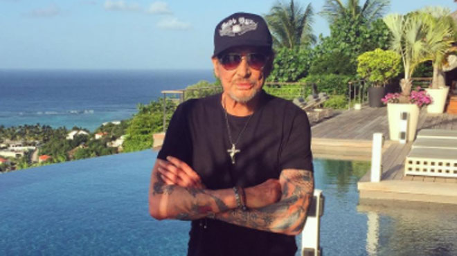 johnny hallyday fait une grande annonce sur son compte twitter rtl people. Black Bedroom Furniture Sets. Home Design Ideas