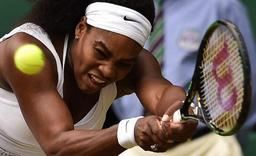 Wimbledon - Serena Williams bat Venus et file en quarts de finale