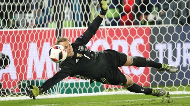 manuel neuer est l 39 homme du match allemagne italie rtl sport. Black Bedroom Furniture Sets. Home Design Ideas