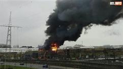 Incendie spectaculaire dans une usine de La Louvière