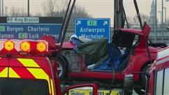 Une voiture percute l'arrière d'un camion sur le Ring de Bruxelles: le conducteur tué