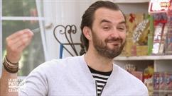 """Cyril Lignac bluffé par le gâteau en forme de bouche de Jean-Marc Généreux: """"Moi, j'achète"""""""
