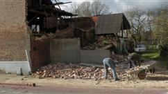 """La tempête David a fait de gros dégâts: """"J'étais sur l'échafaudage pour mettre une brique mais le mur n'était plus là"""""""