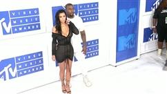 Kim et Kanye dévoilent le prénom SURPRENANT de leur 3ème enfant