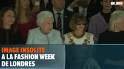 Insolite: Elizabeth II assiste à la Fashion Week avec Anna Wintour