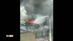 New York: un impressionnant incendie provoque la fermeture de nombreux services ferroviaires de Long Island