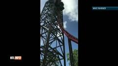 Bloqués à la verticale sur des montagnes russes