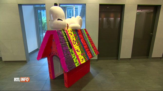 Une niche de Snoopy décorée par Olivier Strelli en vente pour le Télévie