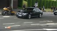 Arrivée de Johnny Hallyday à Bruxelles escorté par des motards