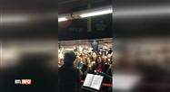 Indochine a donné un mini-concert dans les couloirs de la gare de BXL-Midi