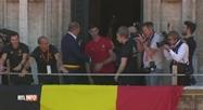Un à un, les Diables Rouges célébrés sur le balcon de l'Hôtel de Ville de Bruxelles