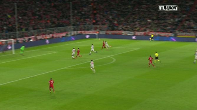 Joel Matip (Liverpool) marque contre son camp pour le Bayern Munich