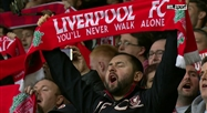 FRISSONS: le You'll Never Walk Alone des supporters de Liverpool