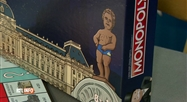 Les créateurs américains du Monopoly ont rhabillé Manneken Pis !