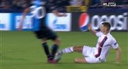 Ligue des champions: Thomas Meunier méritait-il une carte pour ce geste? (vidéo)