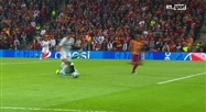 Eden Hazard rate une énorme occasion contre Galatasaray