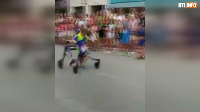 Will Smith ému par l'exploit d'un petit garçon handicapél