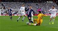 Ligue des Champions: un penalty et le carton rouge de Thibaut Courtois annulés par le VAR