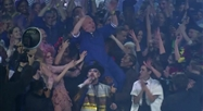 Pluie de stars au dernier défilé de Jean-Paul Gaultier