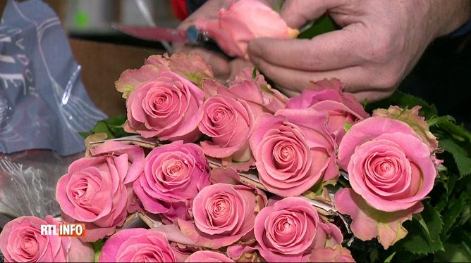 Saint-Valentin: des millions de roses arrivent de l'étranger par avion