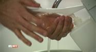 Le gel hydroalcoolique, un danger pour la peau exposée au soleil ?