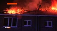 Les toits de 2 maisons voisines ont pris feu hier soir à Tamines