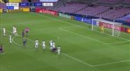 Suarez fait 3-0 sur penalty