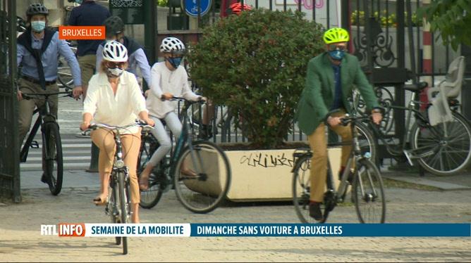 Journée sans voiture: balade à vélo de la famille royale dans Bruxelles