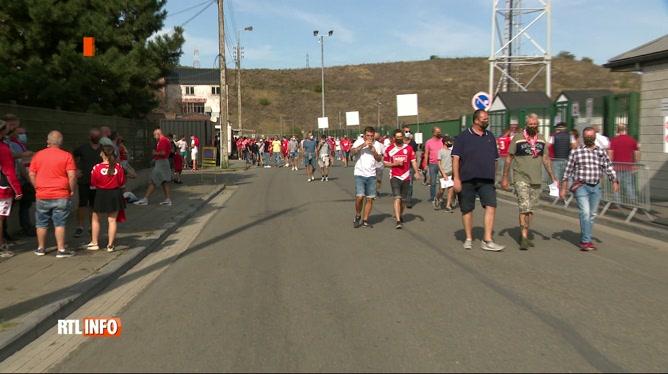 Football: retour des supporters au Standard qui bat Courtrai (2-1)