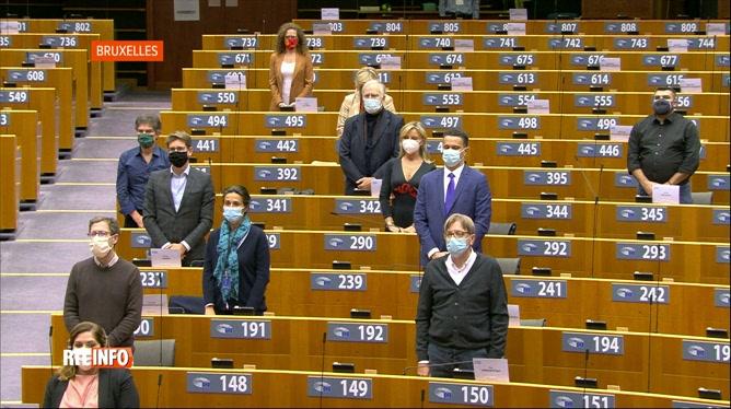 Assassinat de Samuel Paty: une minute de silence au Parlement européen