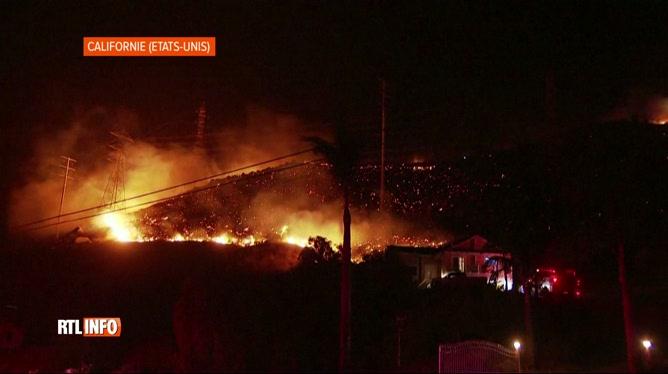 Evacuation de 25.000 personnes en Californie suite à un feu de forêt