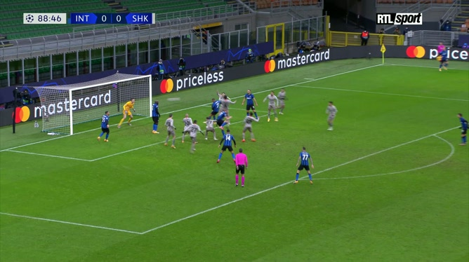 Ligue des champions: Romelu Lukaku empêche le but de la victoire de l'Inter Milan