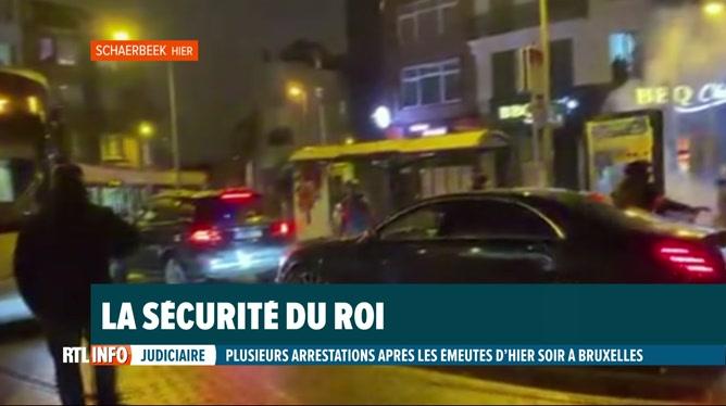 La voiture du roi Philippe prise pour cible par les émeutiers bruxellois