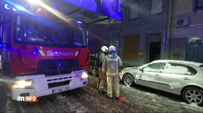 Un pompier a été blessé dans l'incendie d'une maison à Charleroi