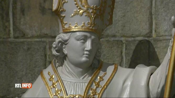 Mons: la Collégiale Sainte-Waudru grossièrement restaurée… par un amateur