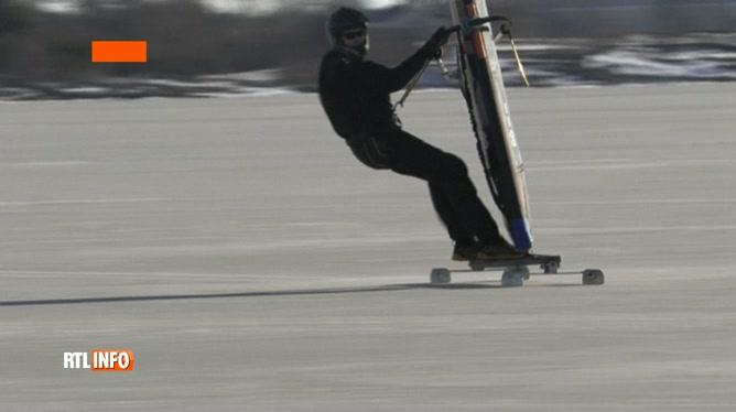 Finlande: Images incroyables de planches à voile sur glace sur la mer Baltique gelée