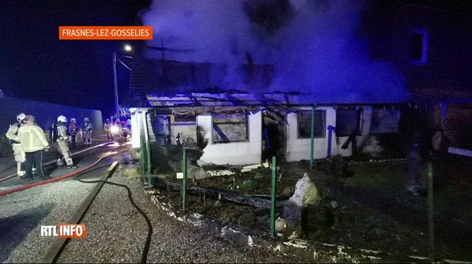 Une maison détruite par une explosion au gaz à Frasnes-lez-Gosselies