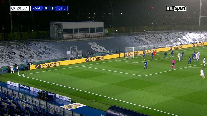 Real Madrid - Chelsea: Karim Benzema réduit l'écart d'une superbe volée!