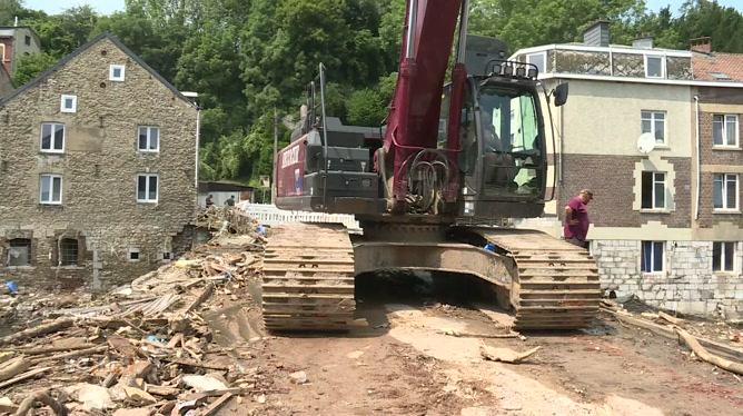 Inondations: un pont fragilisé a été détruit Ensival