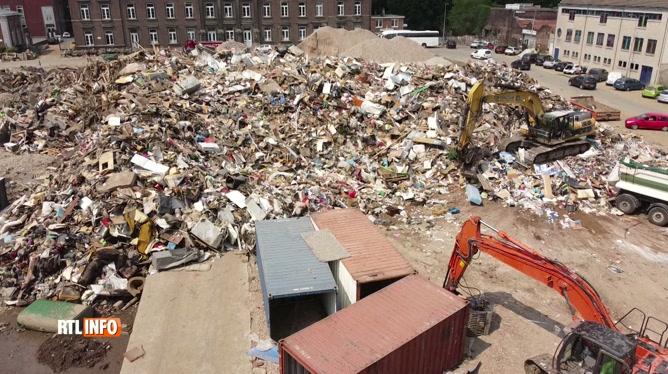 Verviers: des tonnes de déchets dus aux inondations prises par un drone