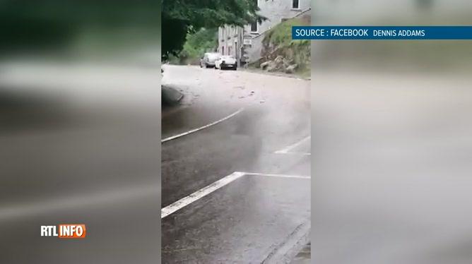Images impressionnantes à Dinant: un habitant a filmé la montée des eaux dans sa rue (vidéo)
