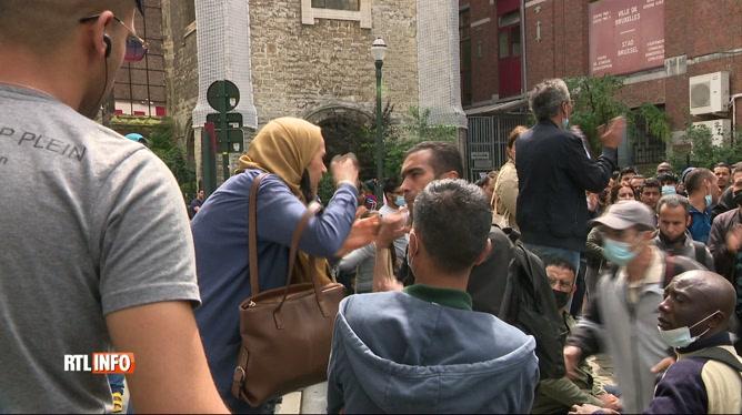 Afflux de sans-papiers devant la nouvelle Zone neutre de Bruxelles